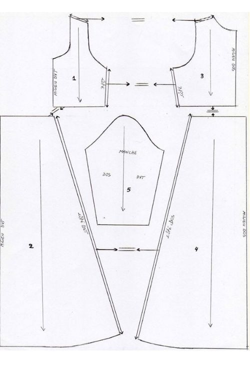 Exemple de dessin de patron de robe.