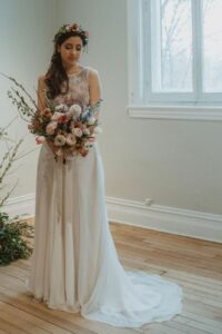 En plus de son allure délicate et romantique, cette robe confortable vous assure une total liberté.