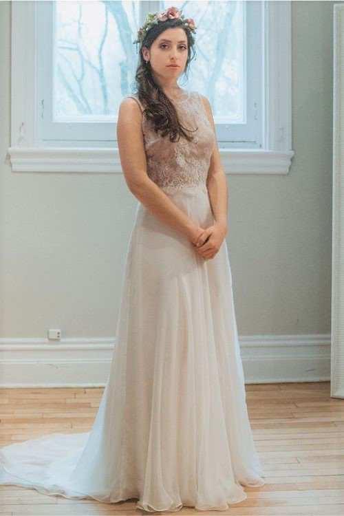 Bérénice est une jupe personnalisable pour les mariées qui souhaite de l'élégance  avec son chiffon de soie.